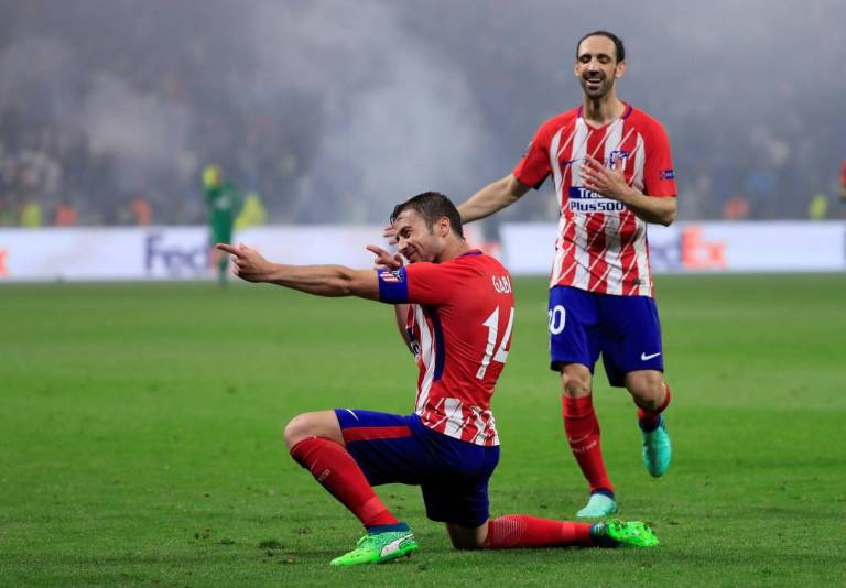 Gabi celebrates scoring in the Europa League final